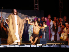 Começam ensaios para Paixão de Cristo 2015